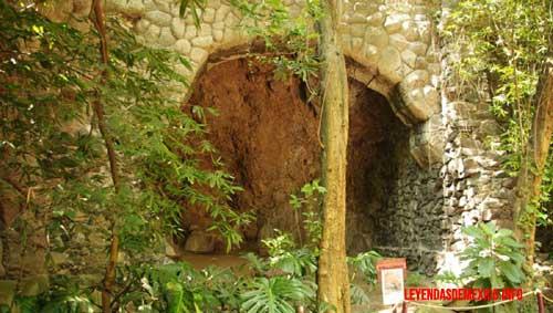 la cueva del bosque de Chapultepec